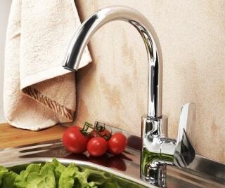 Смеситель для кухни WasserKRAFT с поворотным изливом Lippe 4507