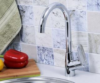 Смеситель для кухни WasserKRAFT с поворотным изливом  Vils 5607