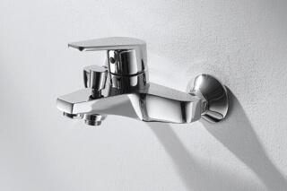 Смеситель LINE (F-652C-B) для ванны